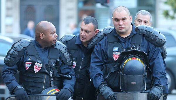 Сотрудники правоохранительных органов Франции. Архивное фото