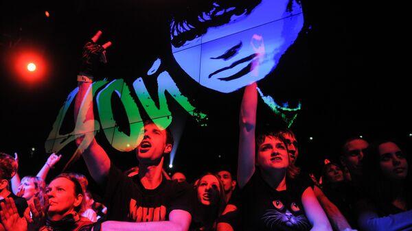Зрители на концерте Виктор Цой, 50 лет в СК Олимпийский в Москве