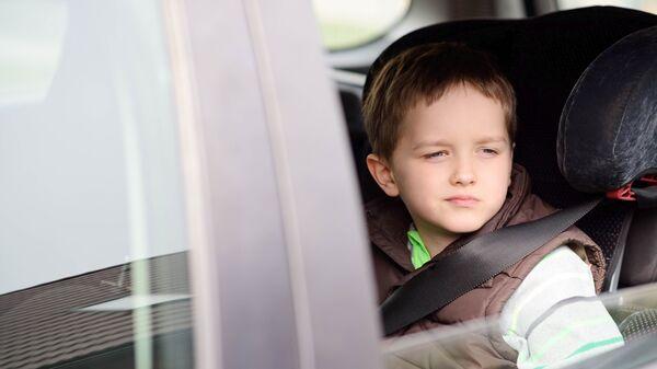 Мальчик в автомобиле