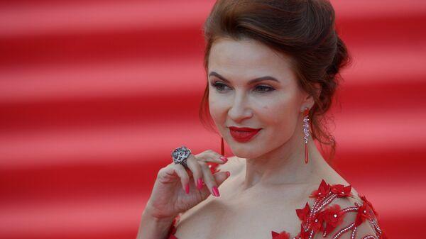 Актриса Эвелина Бледанс на церемонии открытия 38-го Московского международного кинофестиваля в Москве
