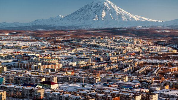 Вид на город Петропавловск-Камчатский. Архивное фото