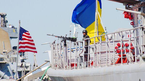 Флагман ВМС Украины — сторожевой корабль проекта 1135 Гетман Сагайдачный и ракетный эсминец ВМС США Дональд Кук