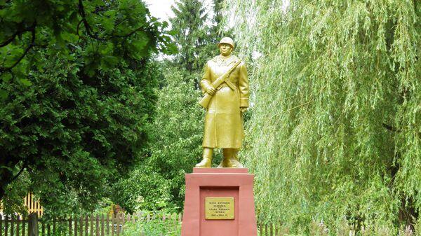 Памятник павшим советским солдатам в Субате, Латвия
