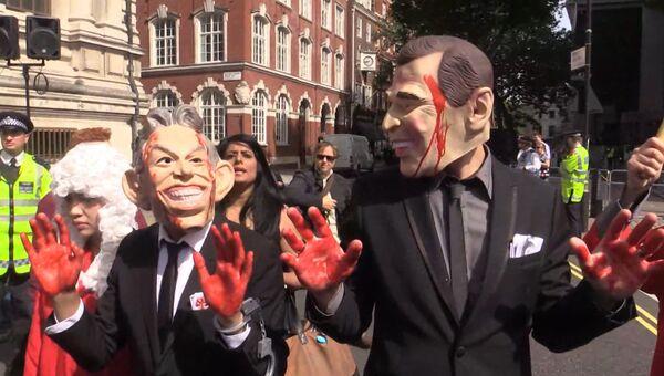 Активисты с плакатами Блэр – военный преступник провели митинг в Лондоне