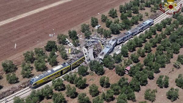 Два поезда столкнулись на юге Италии в провинции Бари