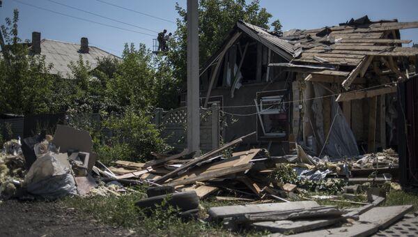 Разрушенный дом в Донецкой области. Архивное фото