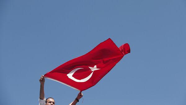 Акция протеста против попытки государственного переворота в Стамбуле. Архивное фото