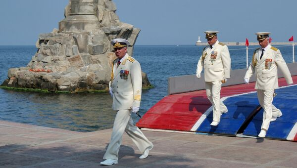 Командующий Черноморским флотом РФ адмирал Александр Витко на репетиции парада ко Дню ВМФ России в Севастополе