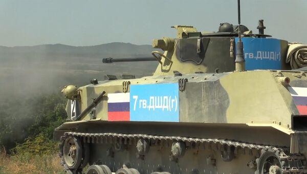 Гонка преследования десантников на боевых машинах со стрельбой на АрМИ-2016
