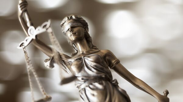 Статуэтка богини правосудия Фемиды. Архивное фото