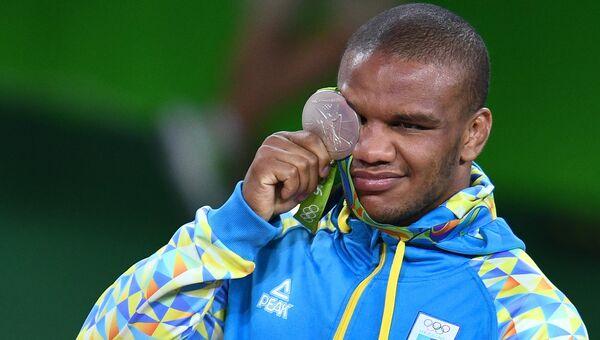 Жан Беленюк (Украина), завоевавший серебряную медаль в соревнованиях по греко-римской борьбе