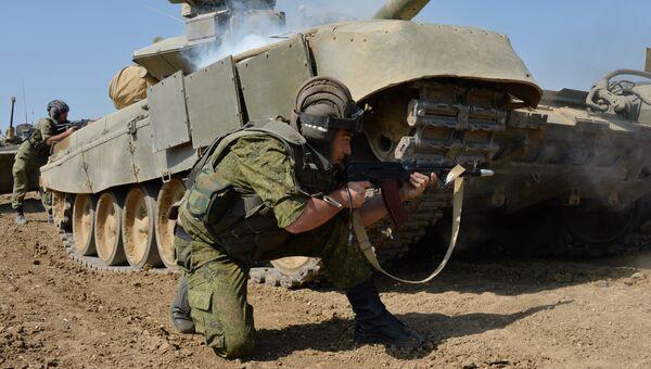 Учения танкистов на полигоне. Архивное фото