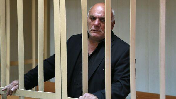 Бизнесмен Арам Петросян, обвиняемый в захвате заложников, в Пресненском суде Москвы. Архивное фото