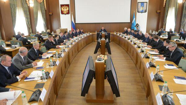 Дмитрий Рогозин проводит заседание комиссии по государственной пограничной политике в Южно-Сахалинске. 31 августа 2016