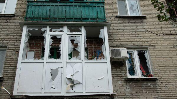 Последствия обстрела города Ясиноватая в Донецкой области