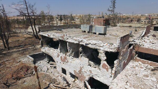 На территории военных училищ в Алеппо, которая была освобождена сирийской армией от боевиков