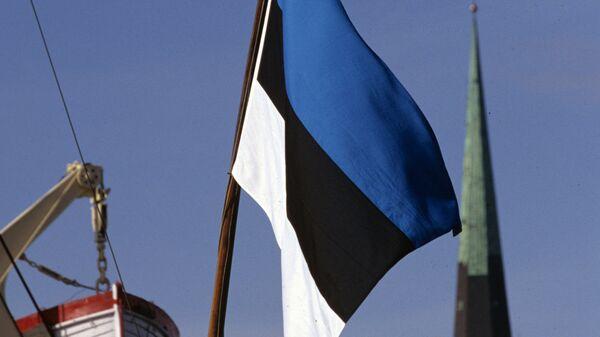 Государственный флаг Эстонии на одном из кораблей. Архивное фото