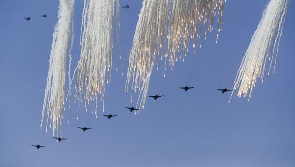 Российские истребители во время военных учений на побережье Черного моря в Крыму