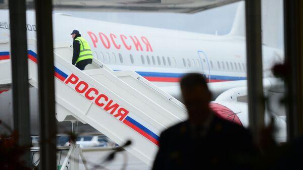 Самолет ТУ-204-300 Специального Летного Отряда Россия. Архивное фото