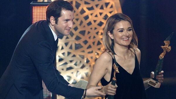 Актриса Надежда Михалкова с супругом режиссером Резо Гигинеишвили на торжественной церемонии вручения кинопремии Золотой орел