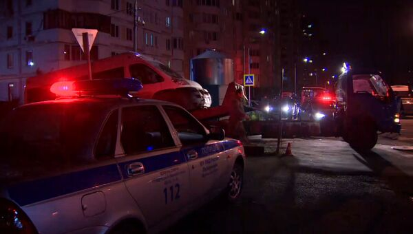 Сотрудники ГИБДД эвакуировали машины рядом с местом крушения Ми-8 МЧС РФ
