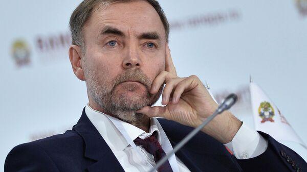 Заместитель руководителя Федеральной антимонопольной службы Анатолий Голомолзин