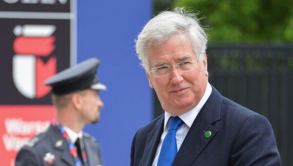 Министр обороны Великобритании Майкл Фэллон на саммите НАТО в Варшаве