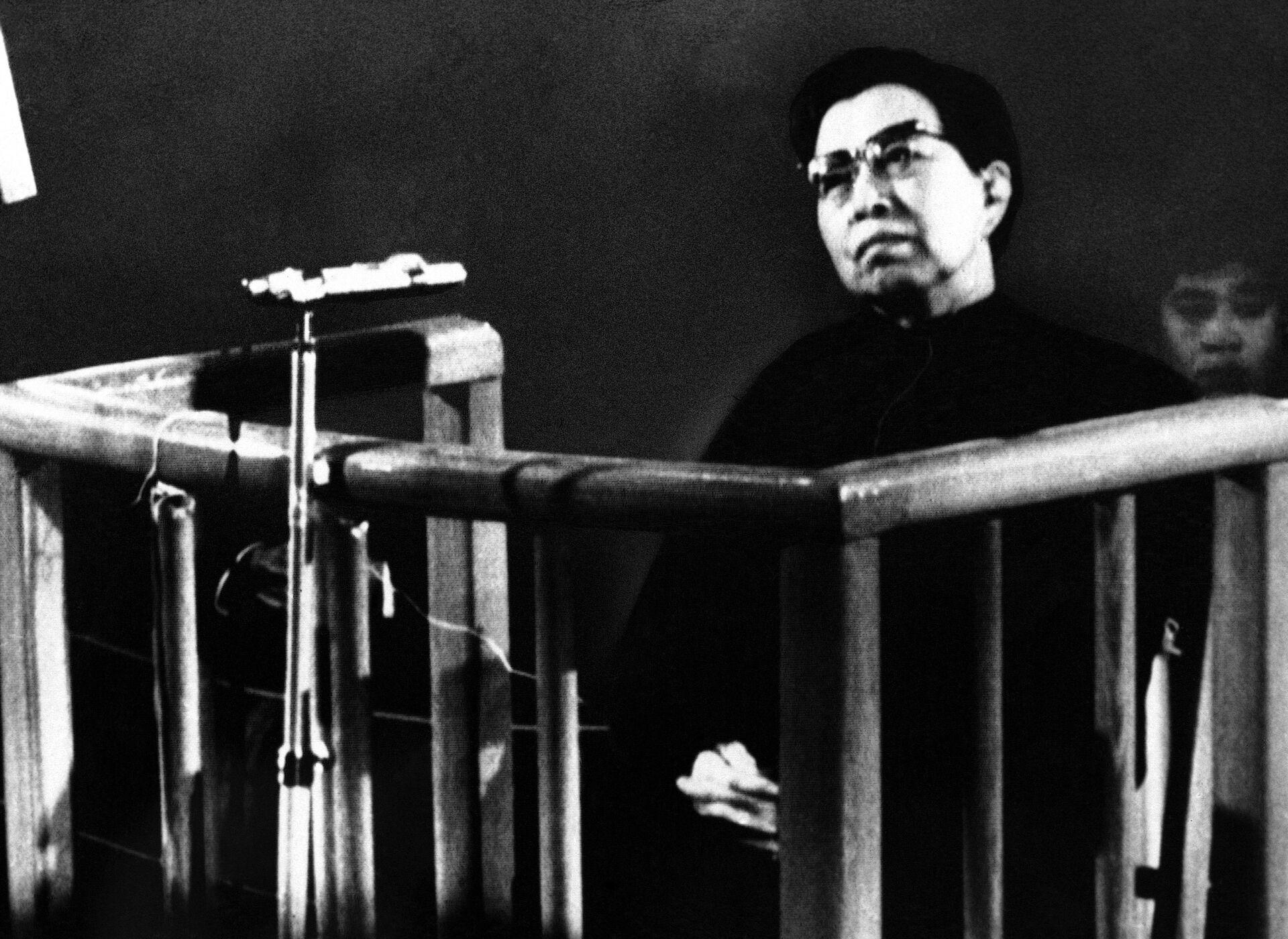 Вдова Мао Цзэдуна Цзян Цин во время суда в Пекине. 26 ноября 1980 года  - РИА Новости, 1920, 08.09.2021