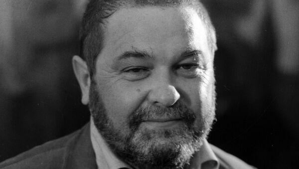Писатель Юлиан Семенов (1931-1993)