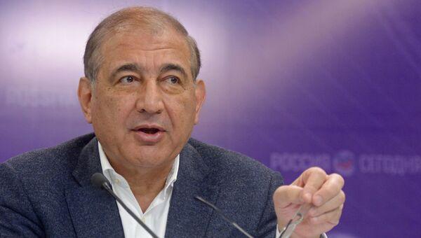 Представитель сирийской оппозиционной группы Москва – Каир, секретарь партии Народная воля, член руководства сирийского Фронта за перемены и освобождение Кадри Джамиль. Архивное фото