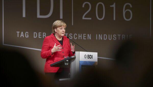 Канцлер Германии Ангела Меркель во время выступления на Дне немецкой промышленности-2016 в Берлине. 6 октября 2016