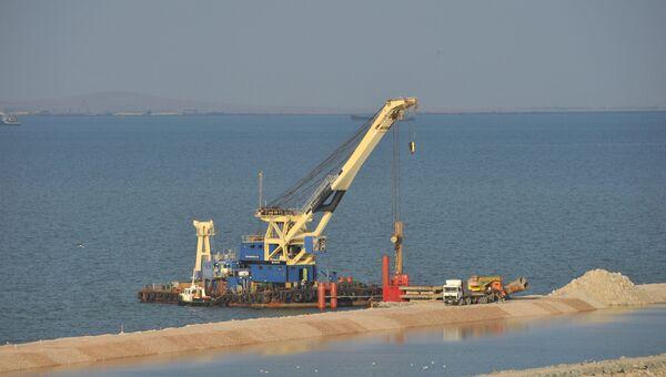 Строительство Керченского моста в Крыму. Архивное фото