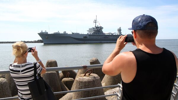 Флагманский корабль 6-го флота США USS Mount Whitney в порту Клайпеды. Июнь 2016 года