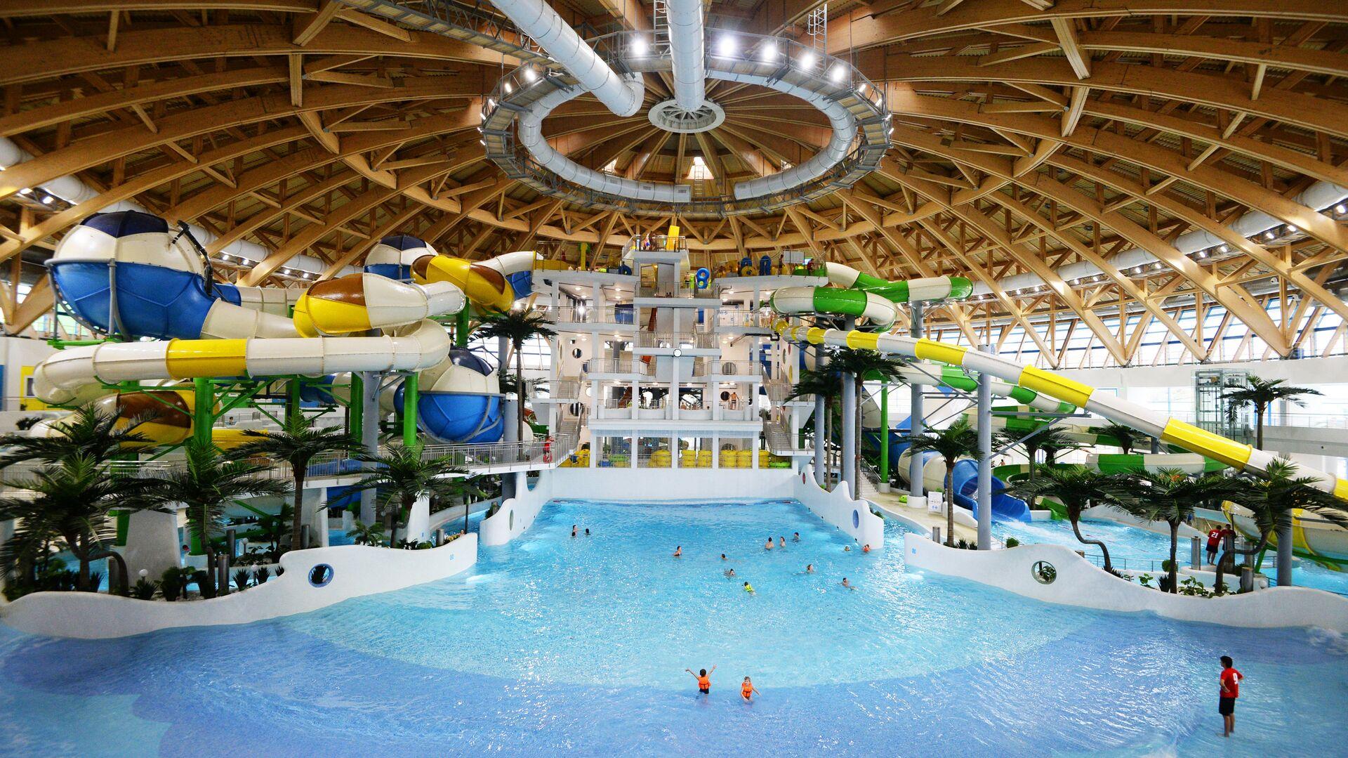 Крупнейший в России крытый аквапарк открылся в Новосибирске - РИА Новости, 1920, 27.09.2021
