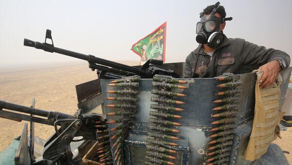 Иракский военный во время операции против ИГ в Мосуле. 24 октября 2016