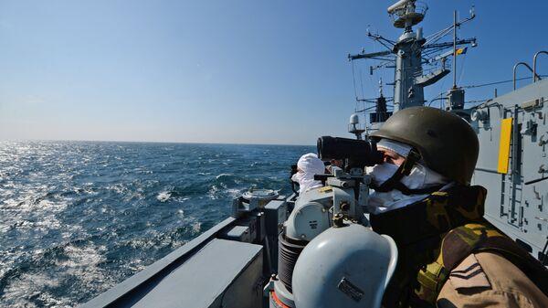 Румынский фрегат Регина Мария во время учений НАТО в Черном море, архивное фото