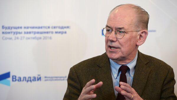 Профессор политологии Чикагского университета Джон Миршаймер во время заседания Международного дискуссионного клуба Валдай в Сочи