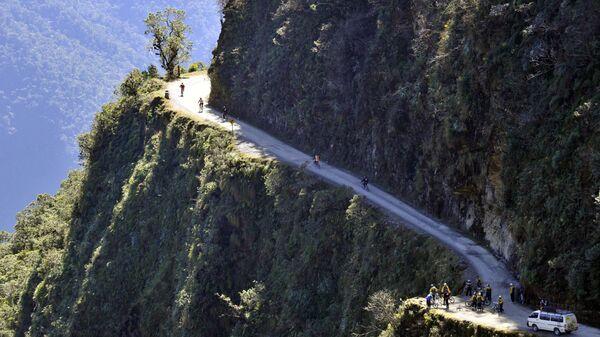 Горная дорога в Боливии