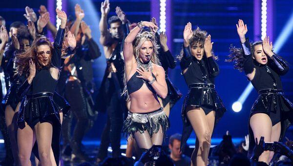 Американская поп-певица Бритни Спирс во время выступления в Лас-Вегасе. 2016 год
