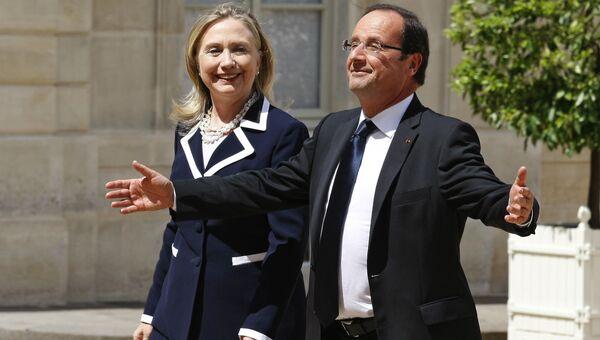 Госсекретарь США Хиллари Клинтон и президент Франции Франсуа Олланд. 6 июля 2012