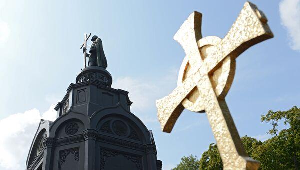 Памятник святому равноапостольному князю Владимиру на Владимирской горке в Киеве. Архивное фото