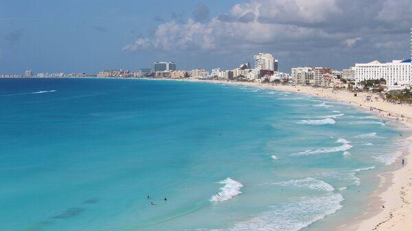 Пляж в Канкуне, Мексика