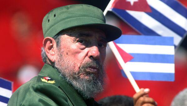 Президент Кубы Фидель Кастро на площади Революции в Гаване. 1 мая 2004