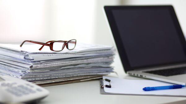 Рабочий стол редактора. Архивное фото