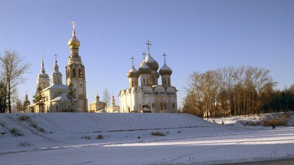Вологда. Вид на Софийский собор и Колокольню. Архивное фото