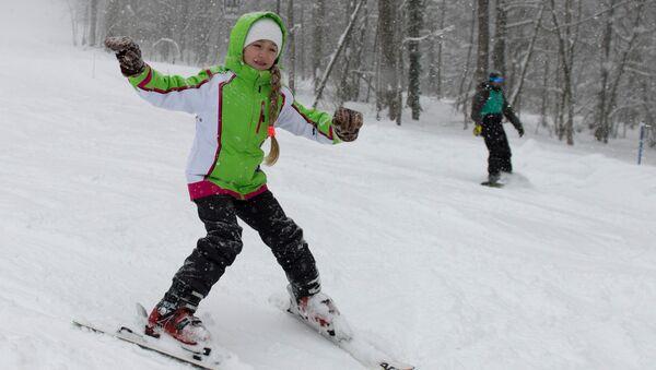 Катание на лыжах. Архивное фото
