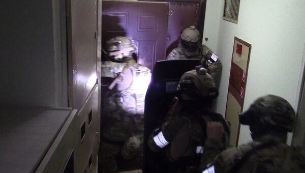 Силовики задержали боевиков за подготовку терактов в Москве. Кадры спецоперации