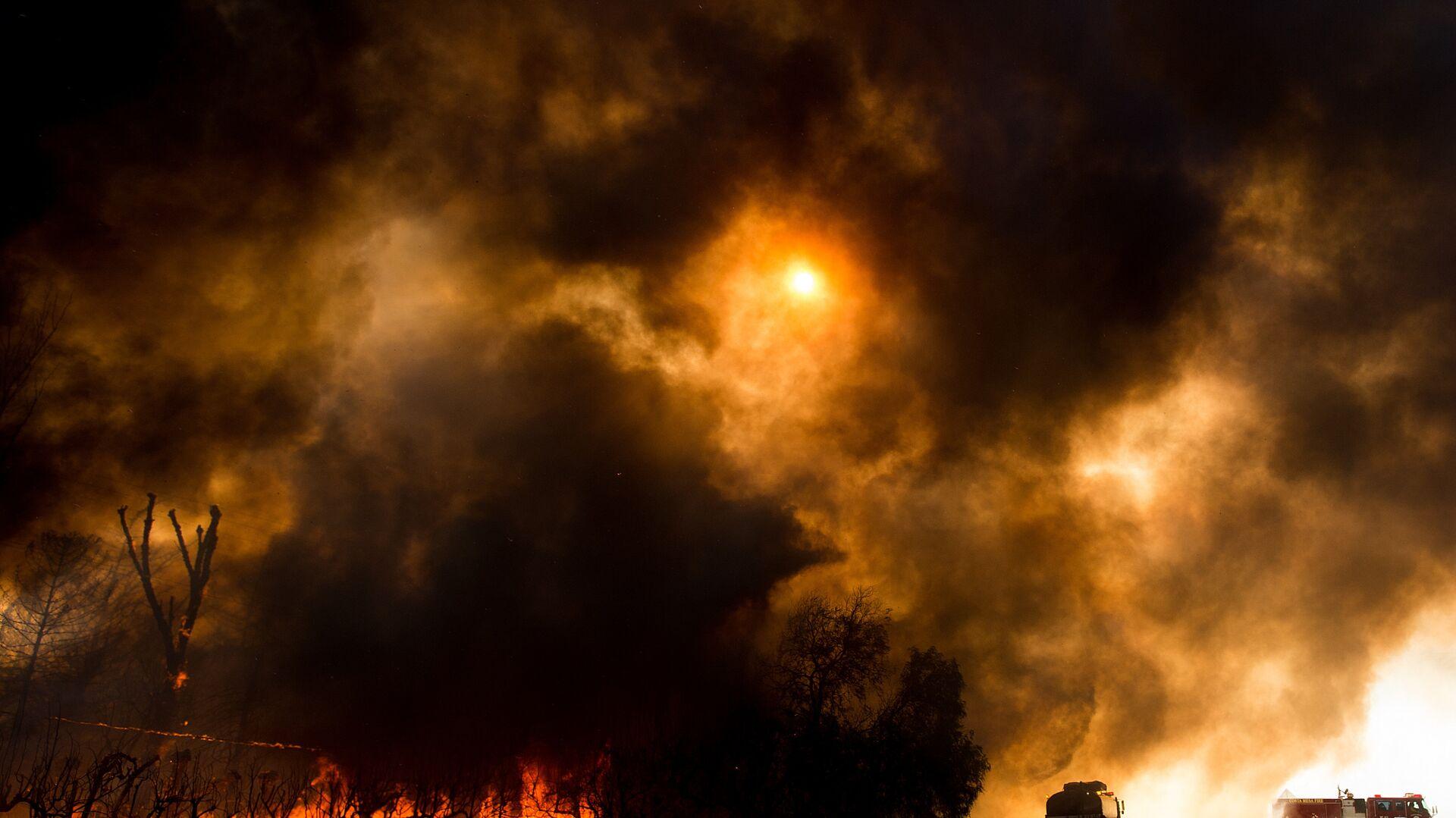 Лесные пожары в Кинбруке, штат Калифорния, США - РИА Новости, 1920, 28.07.2021