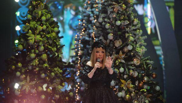 Певица Алла Пугачева на съемках новогодней программы на Первом канале. Архивное фото