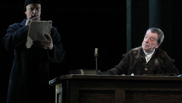 Вячеслав Шалевич в роли Галилео Галилея в Театре им. Вахтангова. Архивное фото